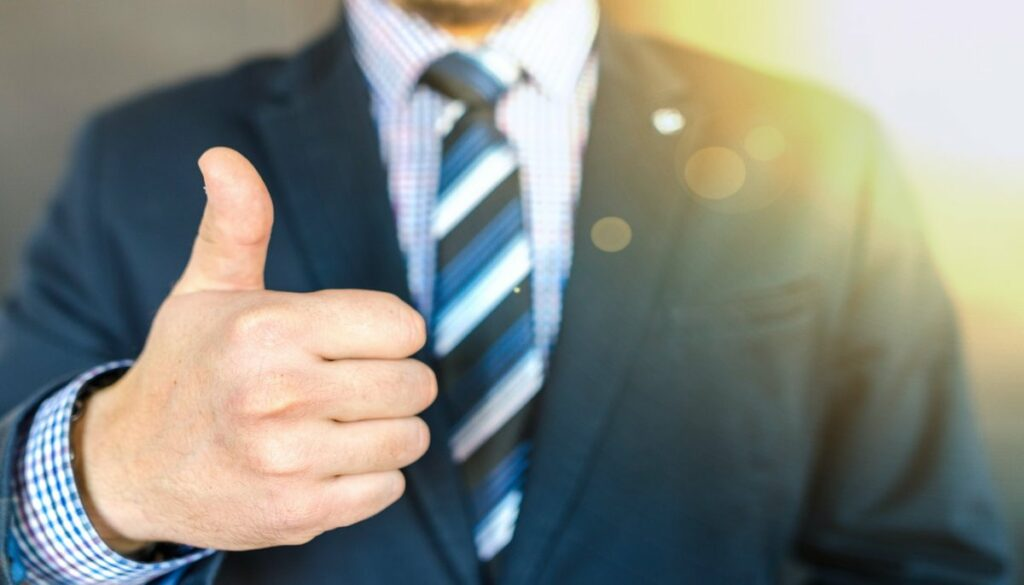 Helpful Tips to Become a Successful Real Estate Agent